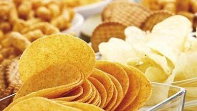 Bên trong dây chuyền sản xuất 16 tỷ gói snack mỗi năm