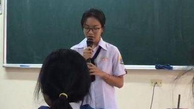 Nữ sinh Sài Gòn hát rap bài thơ 'Việt Bắc'