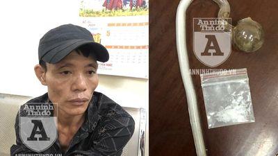 Bị Cảnh sát 141 bắt giữ vì... 'tiếc gói ma túy đá chưa dùng hết'