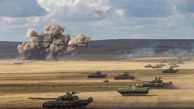Khoảnh khắc 'nổi da gà' tại cuộc tập trận của 12,8 vạn lính Nga