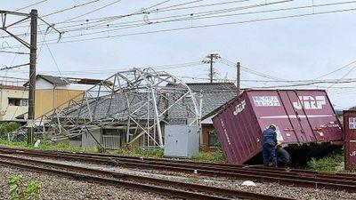 Nhật-Hàn tan hoang sau khi bão Tapah càn quét