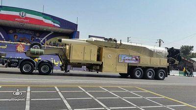 Khoe tên lửa đạn đạo tầm xa 'khủng', Iran muốn nhắn gửi gì đến Mỹ?