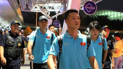 Tuyển Việt Nam về TP.HCM trong sự đón chào của người hâm mộ