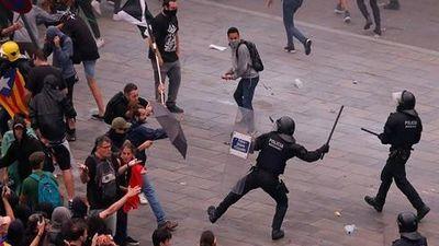 Tây Ban Nha hỗn loạn vì hàng nghìn người biểu tình