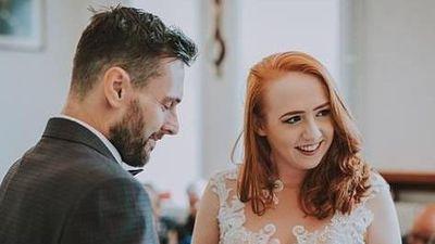 Cô gái đồng ý cưới dù biết bạn trai sắp qua đời vì ung thư