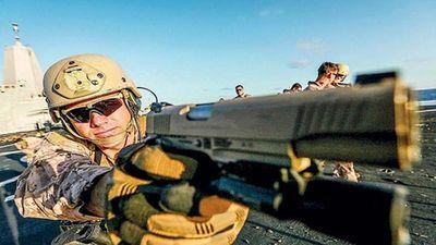 Lính Mỹ 'sướng không ngủ được' khi súng lục hơn 100 tuổi được thay thế
