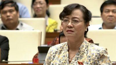 Đại biểu Nguyễn Thị Quyết Tâm khóc khi nói về cuộc sống công nhân
