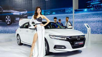 Trải nghiệm Honda Accord 2019 giá 1,3 tỷ - đối thủ Toyota Camry