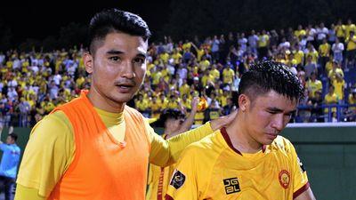 HLV Thanh Hóa nói về đam mê sau khi đội giành vé đá play-off