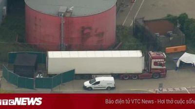 Hình ảnh hiện trường xe tải chứa 39 thi thể tại Essex, Anh