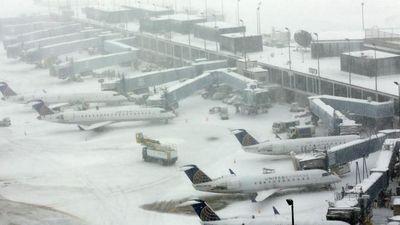 Máy bay chở khách Mỹ bị trượt khỏi đường băng