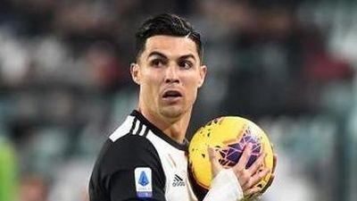 Ronaldo chửi thề sau khi bị HLV Sarri thay ra