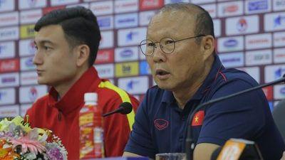 Điều HLV Park Hang-seo còn băn khoăn về Công Phượng và Văn Hậu trước trận với UAE