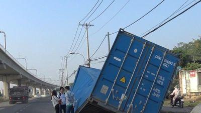 Chưa có kết luận vụ dầm cầu đè container ở Thủ Đức
