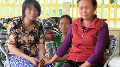 Nước mắt ngày trùng phùng của người phụ nữ sau 25 năm bị bán làm 'vợ chui' ở Trung Quốc