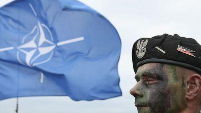 Sức mạnh của NATO biến thành điểm yếu 'gót chân Achilles'?