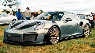 Chiêm ngưỡng màu sơn hơn 2 tỷ đồng trên Porsche 911 GT2 RS