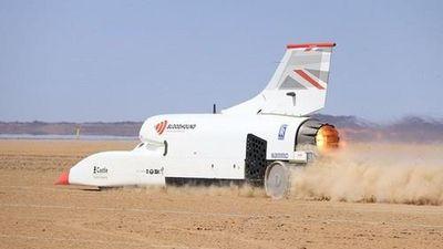 Xe đua siêu nhanh cán mốc 1.010 km/h, tốc độ ngang máy bay phản lực