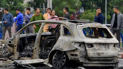 Nhân chứng nói xe Mercedes vượt đèn đỏ khi gây tai nạn liên hoàn