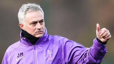 Mourinho khen sân Tottenham tốt nhất thế giới