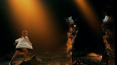 MV 'Đâu chịu ngồi yên' chính thức ra mắt