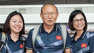 Tuyển nữ Việt Nam gặp HLV Park trước khi dự SEA Games 30