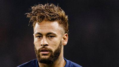 Neymar bị thay ra giữa trận sau màn trình diễn tệ hại