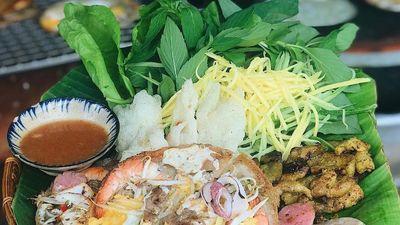 Bánh xèo và 5 món ăn miền Trung hút khách tại TP.HCM