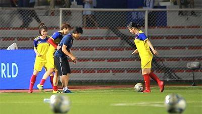 Tuyển nữ Việt Nam khởi động trước chung kết với Thái Lan