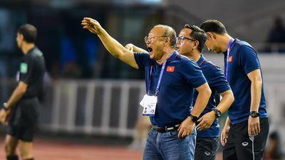 Chùm ảnh: Nhìn lại '50 sắc thái' của HLV Park Hang Seo trong trận đấu gặp U22 Campuchia