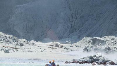 Núi lửa New Zeland bất ngờ phun trào, ít nhất 21 người thương vong