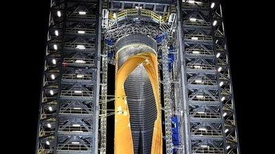 NASA thử phá thủng tên lửa mạnh nhất thế giới có tốc độ gấp 23 lần vận tốc âm thanh