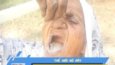 Kỳ lạ cụ già sống khỏe mạnh ở tuổi 80 nhờ... ăn cát