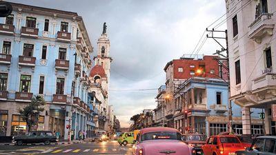 Thực trạng du lịch ảm đạm 'không bóng người' ở Cuba