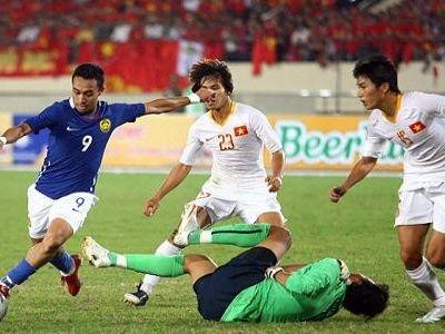 Dù không phải là đối thủ truyền kiếp của nhau trong khu vực ĐNÁ nhưng ĐT Việt Nam và Malaysia cũng để lại không ít những trận thư hùng kịch tích được ghi vào lịch sử bóng đá của cả hai quốc gia.