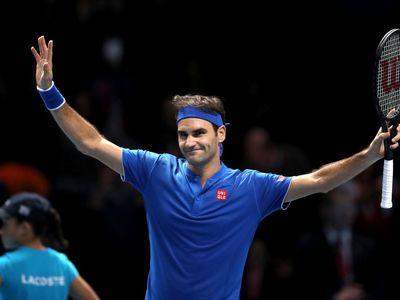 Sáng 16/11, Federer đã cùng với Anderson vào bán kết ATP Finals khi 'Tàu tốc hành' hạ chính đối thủ này với các tỷ số 6-4, 6-3 để có 2 chiến thắng tại vòng bảng.