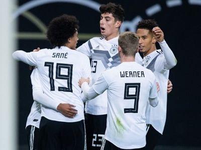 Tiền vệ Leroy Sane đã có một ngày thi đấu chói sáng khi lập công, qua đó giúp Đức giành chiến thắng 3-0 trước Nga ở trận giao hữu quốc tế diễn ra rạng sáng 16.11.