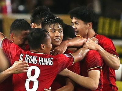 Đánh bại Malaysia với tỷ số 2-0 trong trận cầu đinh của bảng A - AFF Suzuki Cup 2018 bằng một lối chơi hợp lý và fair-play, ĐT Việt Nam đã nhận được 1,1 tỷ đồng tiền thưởng
