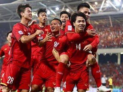 CĐV Thái Lan có những nhận xét trái chiều khi tuyển Việt Nam chính thức giành vé vào vòng 1/8 Asian Cup 2019.