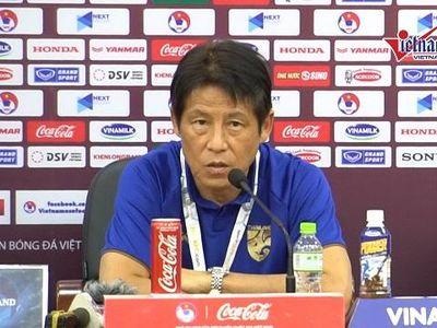 Trong buổi họp báo trước trận Việt Nam - Thái Lan ở vòng loại World Cup 2022 khu vực châu Á, HLV Thái Lan - ông Nishino đã thừa nhận ông đang áp lực trước trận đấu và 'thán phục' phong độ đang lên của bóng đá Việt Nam.