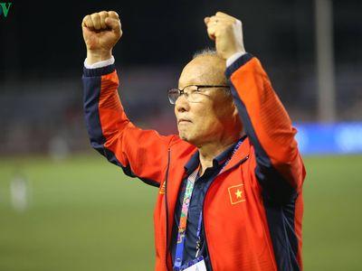 Sang Hàn Quốc tập huấn, HLV Park Hang Seo và U23 Việt Nam được người dân tại nơi đây chào đón nồng hậu.