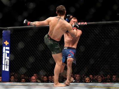 McGregor đánh dấu màn trở lại đầy ấn tượng bằng việc hạ knock-out Donald Cerrone ở maint-event UFC 246 diễn ra sáng 19/1 (giờ Hà Nội).