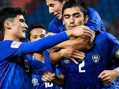 Giành chiến thắng đậm đà với tỉ số 5-1 ở lượt tứ kết hôm 19-1, các nhà ĐKVĐ Uzbekistan giành suất cuối cùng vào bán kết chạm trán U23 Ả Rập Saudi.