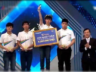 Đó chính là nam sinh Mai Hoàng Danh, đến từ trường THPT Đông Du, Đắk Lắk. Kết quả chung cuộc, Hoàng Danh đạt được 305 điểm, giành vé đi tiếp vào cuộc thi tháng hai, quý II sẽ lên sóng vào chiều 9/2.