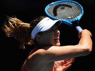 Sáng 21/1, Maria Sharapova không thể gây bất ngờ trước hạt giống số 19 Donna Vekic khi gác vợt sau 2 set với các tỷ số 3-6, 4-6.