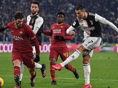 Cristiano Ronaldo tiếp tục thăng hoa trong màu áo Juventus, góp công lớn giúp 'Lão bà' đánh bại AS Roma 3-1 để giành quyền vào bán kết Coppa Italia.