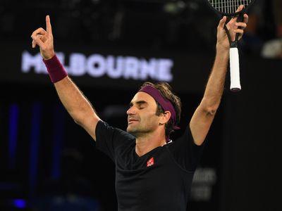 Tối 24/1, Roger Federer vượt qua John Millman trong trận đấu kéo dài 5 set đầy cảm xúc ở vòng 3 Australian Open, qua đó trở thành tay vợt đầu tiên cán mốc 100 trận thắng tại giải.