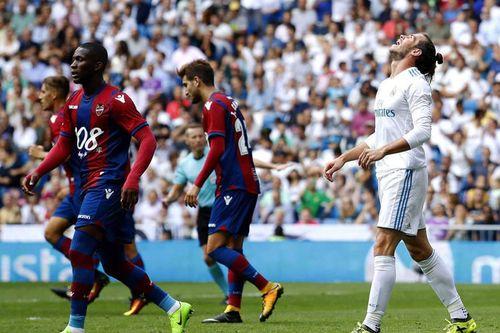 Đồng loạt 3 'ông lớn' Real, Barca và Bayern cùng sa sút: Đáy hình sin của một chu kỳ