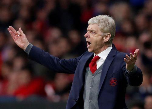 HLV Wenger: 'Làm gì có chuyện tôi sẽ dẫn dắt AC Milan'