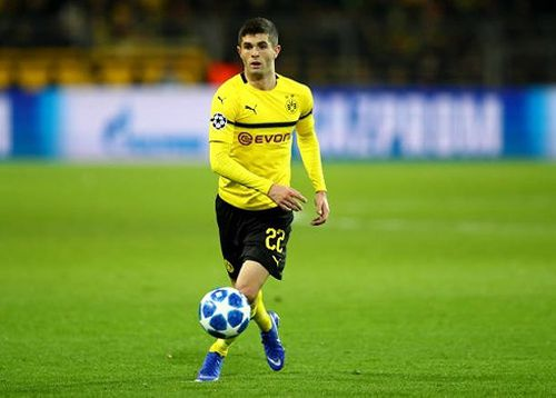 Văn Đức lọt Top 4 cầu thủ xuất sắc nhất Bán kết lượt đi AFF Cup 2018